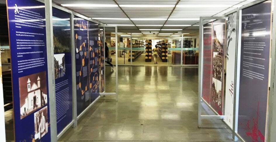 Exposição fica na Biblioteca Central da UFMG até 28 de abril. Imagem: Arquidiocese de BH