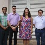 Junto a assessores de diversos países latinos, Dom João Justino (à direita) lidera grupo de discussão. Imagem: Rede Catedral