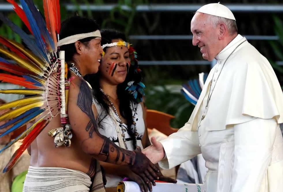 indios-e-papa-francisco